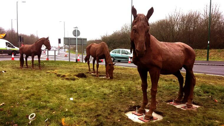 Horse sculptures on Daleside Road