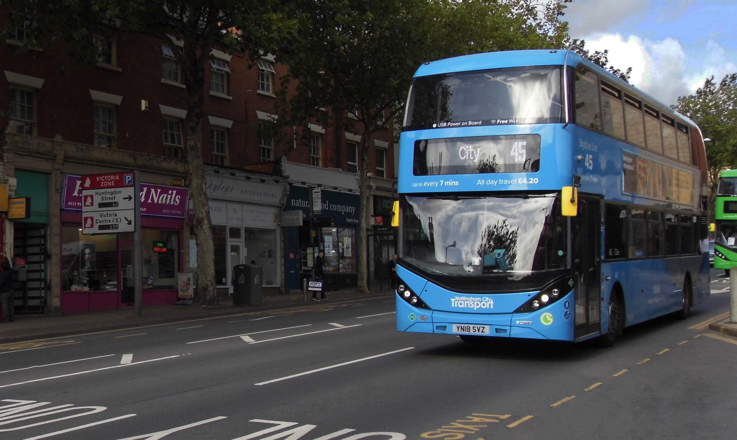 NCT 45 bus on Mansfield Road