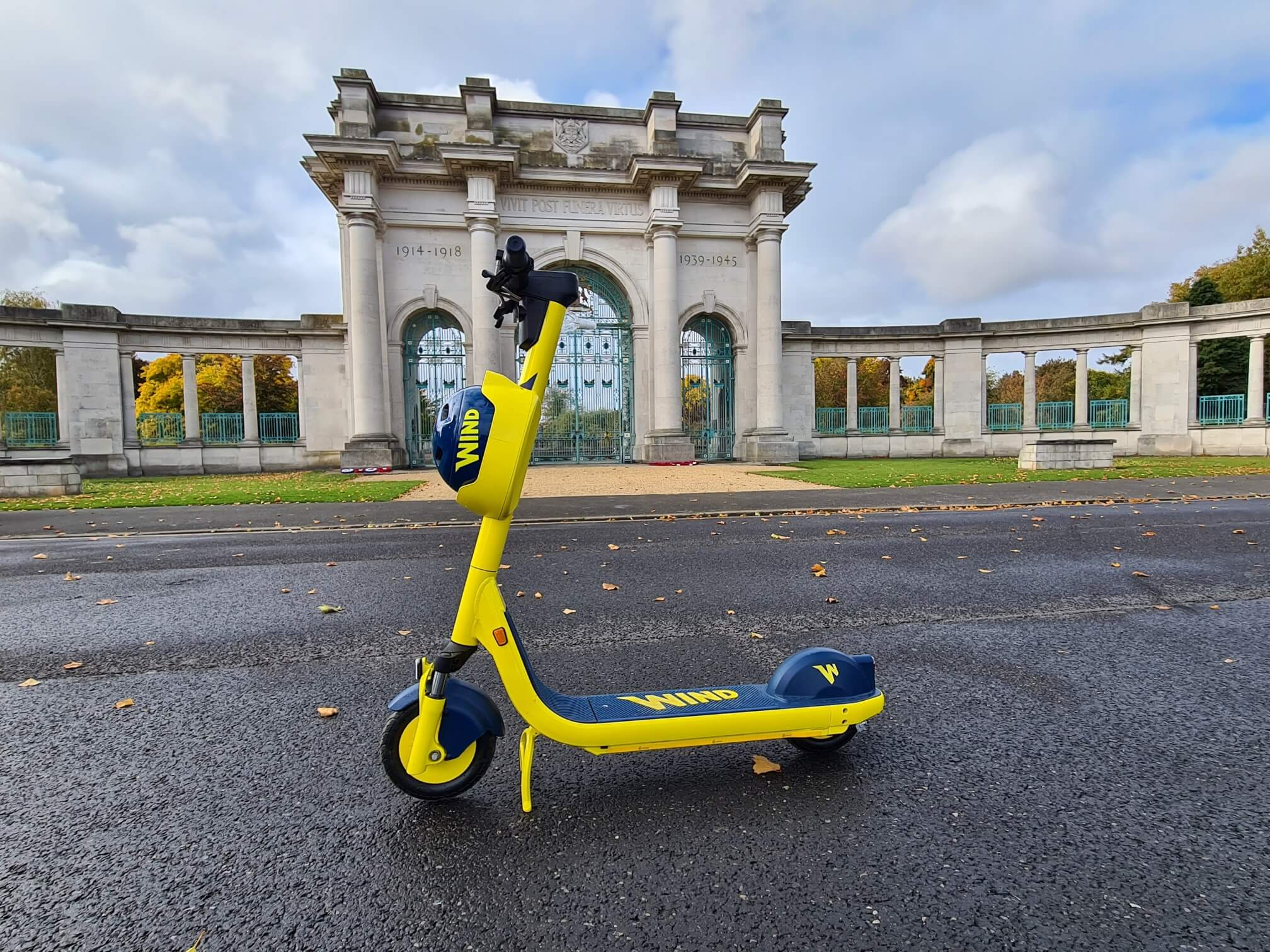 E-scooter on Victoria Embankment